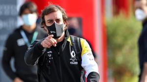 Fernando Alonso está en Bahrein donde hara dos días de test con el RS18
