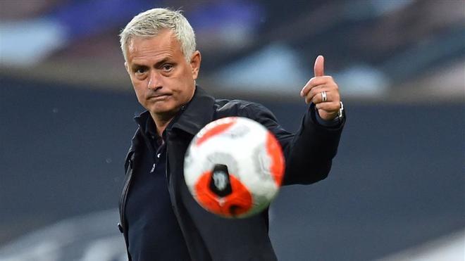 Mourinho, durante un partido del Tottenham