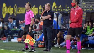 Koeman, durante el partido contra el Cádiz