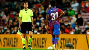 Desafortunado debut de Balde en el Camp Nou