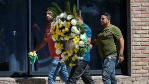 Familiares y amigos de Emiliano Sala le rinden homenaje en su pueblo