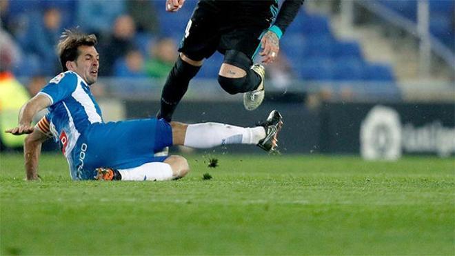 LALIGA | Espanyol - Real Madrid (1-0): Victor Sánchez blocó un disparo de Bale con la mano