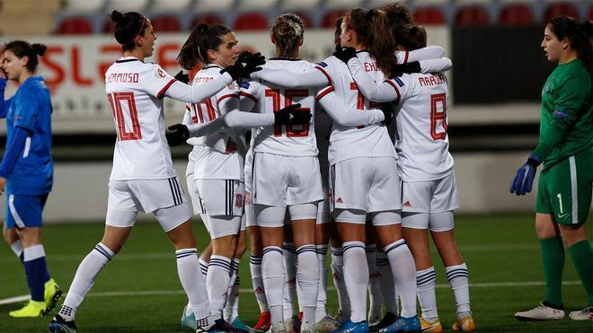 La selección femenina celebra la clasificación para la Eurocopa 2022