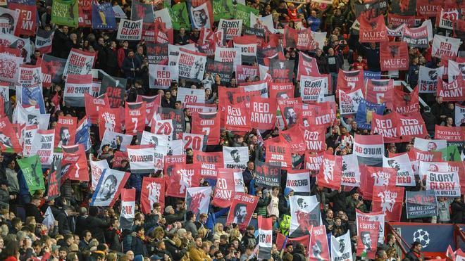 Los aficionados del United, indignados con los propietarios del club