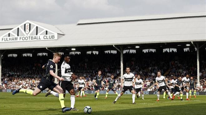 Una tribuna que respira fútbol