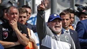 Diego Maradona espera salvar del descenso a Gimnasia y Esgrima de La Plata