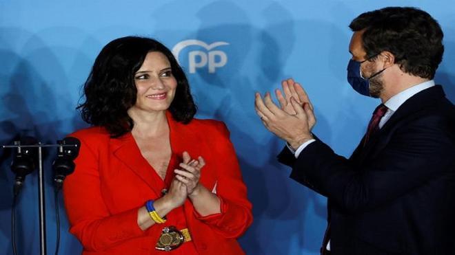 La pulsera de Isabel Díaz Ayuso no pasa inadvertida para las cámaras