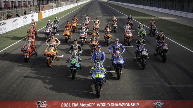 La foto oficial de grupo de MotoGP 2021, sin Marc Márquez