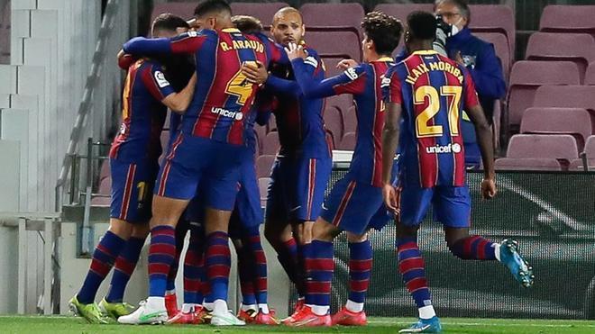 El Barça quiere acercarse a la victoria 100 en el clásico
