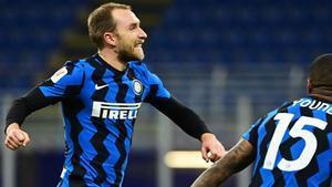 Eriksen marcó el gol de la victoria del Inter sobre el Milan en el descuento
