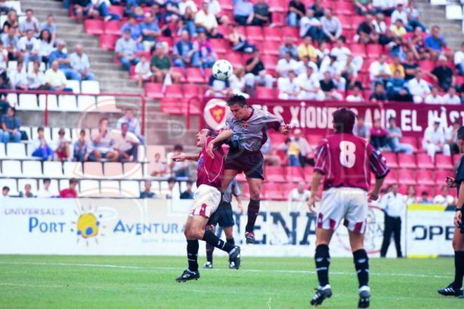 25.Xavi Hernández 1999-2000