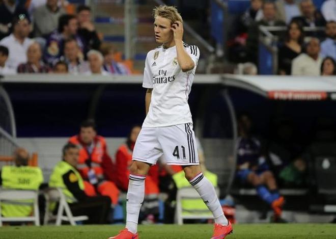 Odegaard realizará la pretemporada a las órdenes de Zidane por imposición de Florentino Pérez