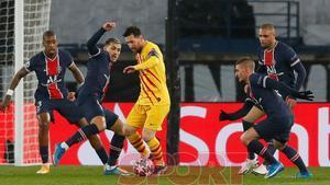 Leo Messi en el partido de Champions League entre el Paris Saint Germain y el FC Barcelona disputado en el Parc des Princes.