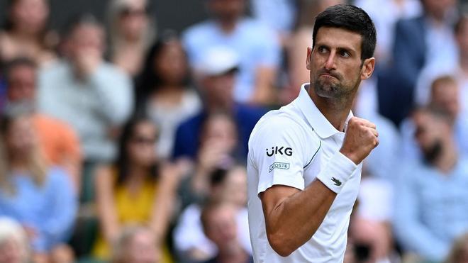 Djokovic celebra un punto ante Berrettini