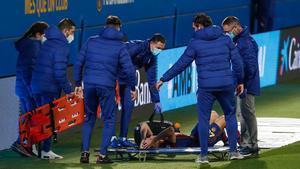 Andrés Solano debía ser lateral diestro titular del B, pero sufrió una grave lesión