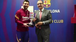 Messi recibe su séptimo Pichichi