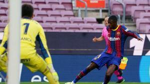 Dembélé, durante el partido