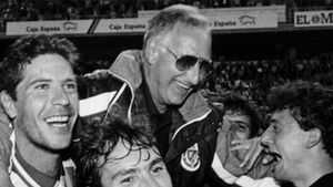 Vicente Cantatore, durante su etapa como entrenador del Real Valladolid