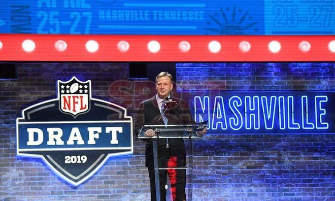 Roger Goodell participando en el Draft del 2019