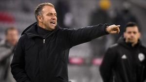 Flick dirigiendo al Bayern de Múnich
