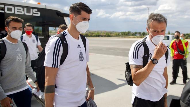Luis Enrique y Morata camino a Sevilla