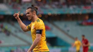 Se le fue muy arriba el penalti a Bale