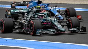 Sanción para Vettel por bloquear a Alonso