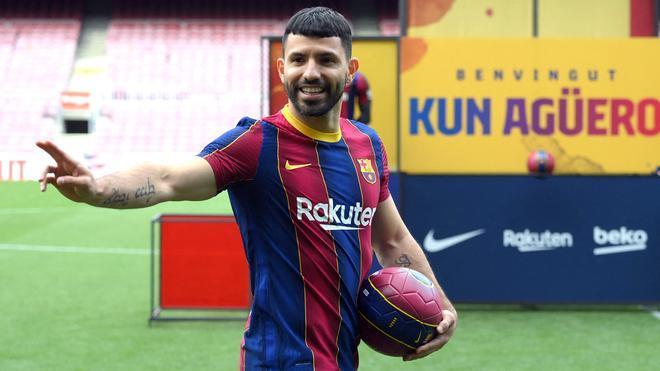 Sergio Kun Agüero el día de su presentación como jugador del Barça