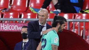 Primero Zidane y ahora Luis Enrique, Isco pierde protagonismo