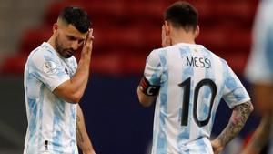 El Kun Agüero y Leo Messi formarán el ataque argentino