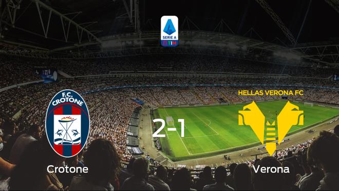 El Crotone vence 2-1 frente al Hellas Verona