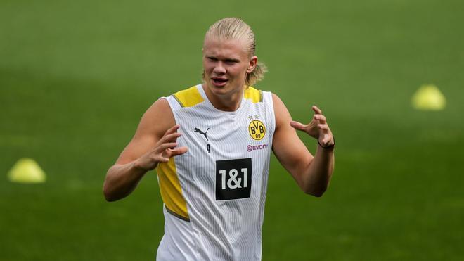 Erling Haaland deja entrever que no se moverá del Borussia Dortmund esta temporada
