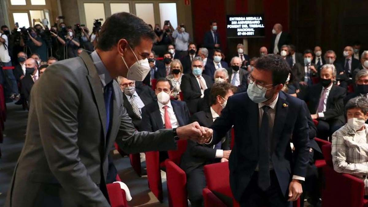 Pedro Sánchez y Pere Aragonès, en un acto