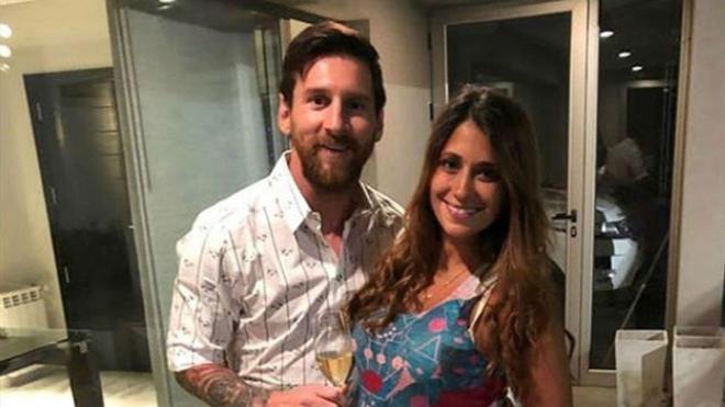 Messi ya presume de su tercer hijo