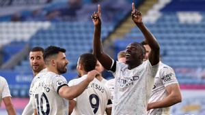 Mendy abrió la lata para el City en Leicester