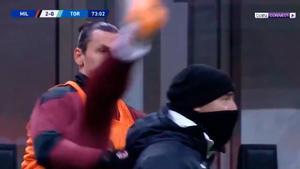 No habíamos visto antes un calentamiento así: Ibrahimovic presume de su pasado como taekwondista