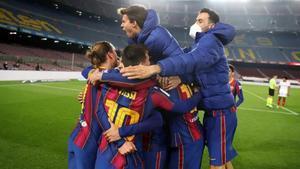El Barça celebró con euforia la remontada