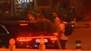 ¡Cazan la pequeña colisión del coche de Florentino al salir del Bernabéu y su confesión sobre Mbappé!