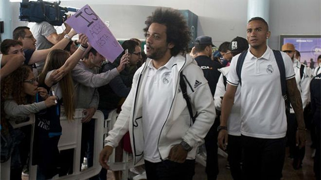 La llegada del Madrid al aeropuerto de Vigo