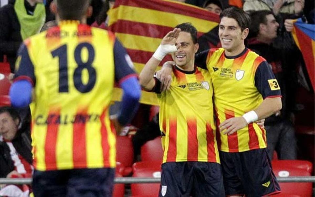 Jonathan Soriano y Sergio García celebran el gol de Catalunya frente a Euskadi