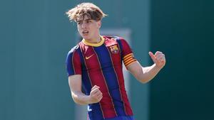 Iker Bravo celebra un gol con el Cadete A