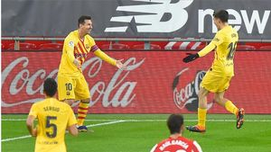 ¡Jugada para enmarcar! Leo Messi anotó el segundo del Barça tras un pase de tacón de Pedri