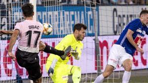 El Espanyol quiere llegar a la siguiente ronda de la misma manera que Dídac Vilà introdujo el balón en el fondo de las mallas suizas: de manera potente.