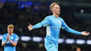 Cole Palmer celebrando su primer gol como profesional con el Manchester City