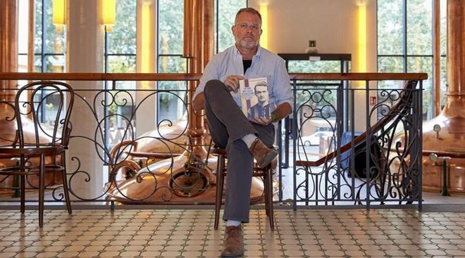 Michael Andersen, director del documental Don Patricio, en la Antiga Fàbrica Estrella Damm, donde presentó el jueves 6 de junio el largometraje dedicado al que fuera entrenador del FC Barcelona