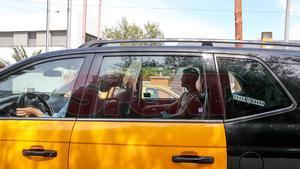Pjanic en taxi entrando en casa de Messi