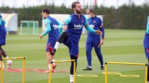 Pjanic vuelve a entrenar con el grupo: así se ha ejercitado el Barça