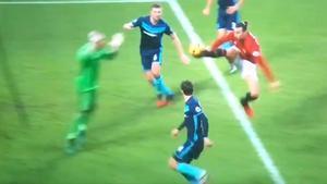 Ibrahimovic protagonizó un remate marca de la casa