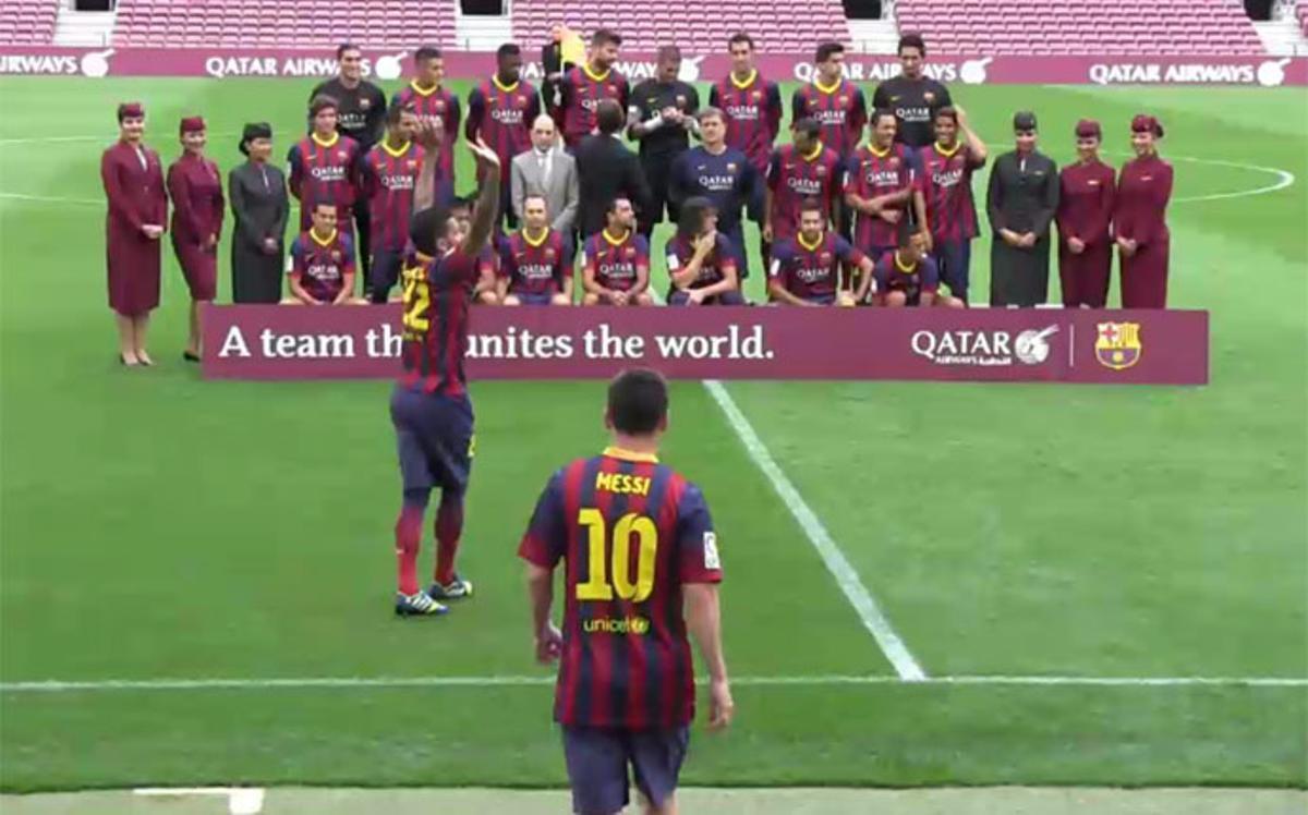 La plantilla del Barça se divirtió en el Camp Nou en el acto con Qatar Airways