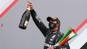 Hamilton en el podio del GP de Portugal.